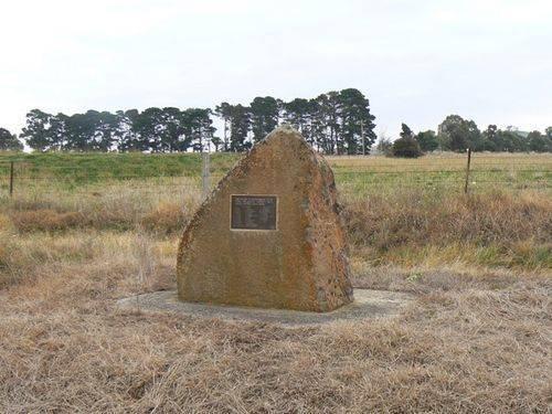 Ullina War Memorial : 01-May-2011
