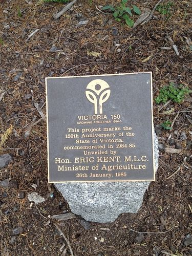 Victoria 150th Plaque : November 2013