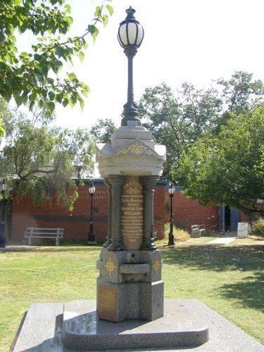 Violet Town War Memorial : 21-02-2013