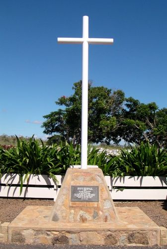 War Cemetery Cross : 23-April-2011