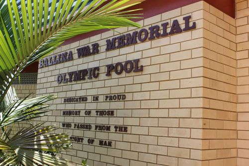 War Memorial Olympic Pool : 11-February-2012