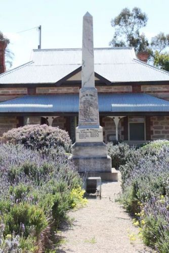 Watervale War Memorial : 6-September-2011