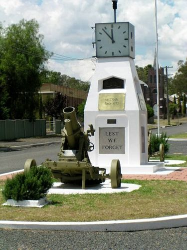 Werris Creek War Memorial / 2007