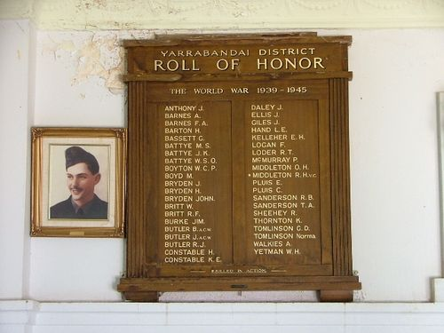 Yarrabandai WW2 Honour Roll + Middleton Photo