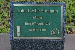 Stonham Plaque: 20-July-2015
