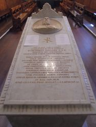 15-September-2018 : His tomb in the Abbey Church