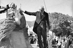 20-October-1938 : Unveiling by William Morris Hughes (State Library of New South Wales)