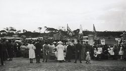 1919 : Monument unveiling: State Library of South Australia - B-31140
