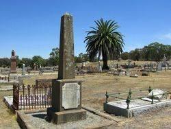 Walters Grave 2 : 28-November-2014