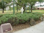 Geoff Levey Memorial Garden 2 : 18-04-2014