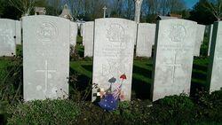 Grave in Hooge Crater Cemetery Belgium :11-November-2014 (Vicky Stratigaki)