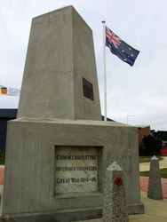Inverloch War Memorial 3: 11-April-2015