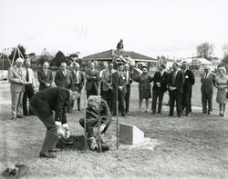 06-October-1973 : Planting Ceremony : State Library of South Australia - BRG-347-1254