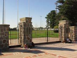 Memorial Gates 2 : 30-April-2015