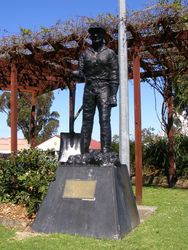 Miners Statue 2 : 11-September-2014