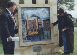 Danka Szole (mosaic artist), Stephen Lee (Mayor Cockburn City): Dedication Ceremony