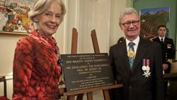04-June-2016 (R. Shakespeare) : Governor Paul De Jersey with former Governer Quentin Bryce