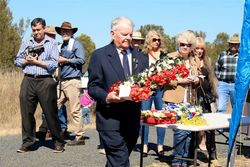 15-August-2015 : Jim Banks, RAAF Leyburn Veteran laying  wreath