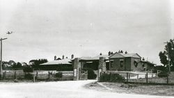 1936 : State Library of South Australia - B-17081-32