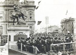 06-June-1904 : Monument unveiling : State Library of South Australia - B-28552