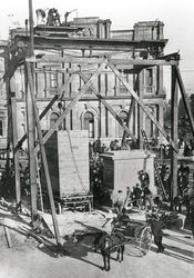 1904 : Monument construction : State Library of South Australia - B-62682
