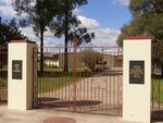 Primary School Memorial Gates : 25-04-2014