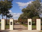 Primary School Memorial Gates 3 : 25-04-2014