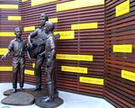 Bee Gees Statue 3 / March 2013